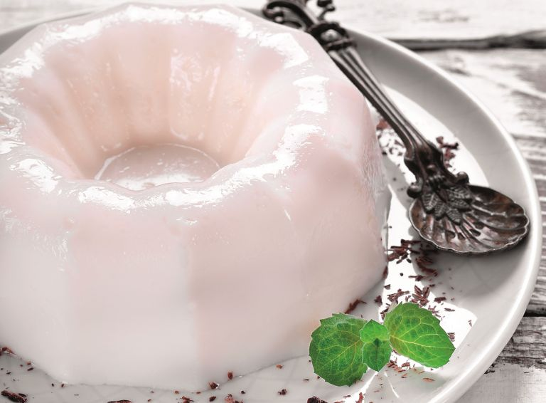 Δροσερό γλυκό: Γιαούρτι ζελέ   vita.gr