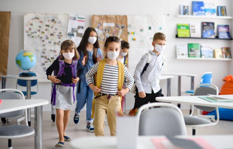 Αντίστροφη μέτρηση για το άνοιγμα των σχολείων | vita.gr
