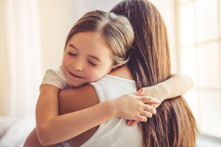 Πώς θα διδάξουμε στο παιδί την ευγνωμοσύνη | vita.gr