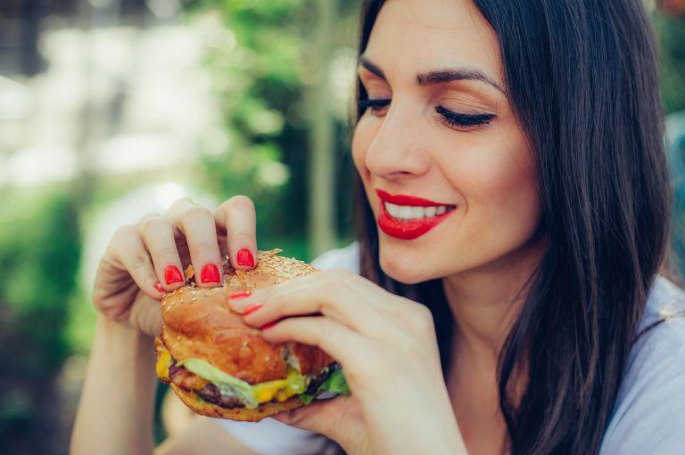 Πώς θα περιορίσουμε τα λιπαρά στη διατροφή μας; | vita.gr