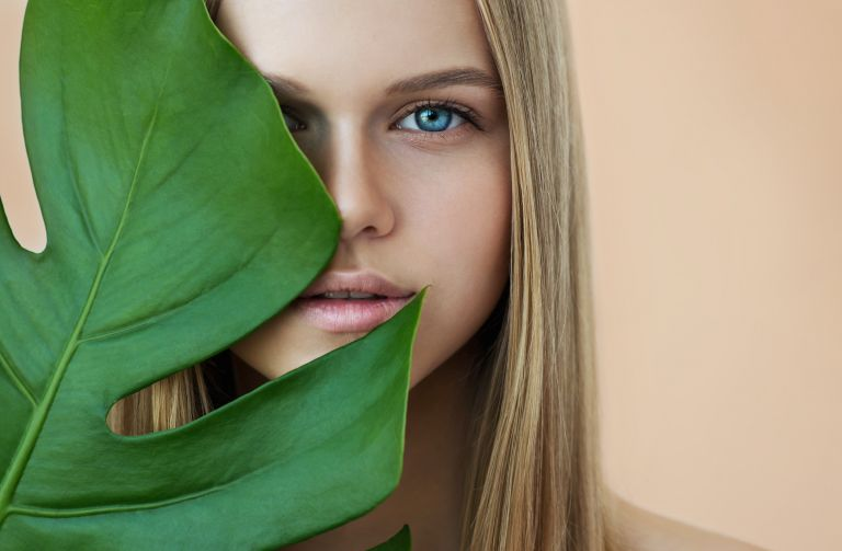 Οι skincare συνήθειες που πρέπει να έχει κάθε γυναίκα | vita.gr