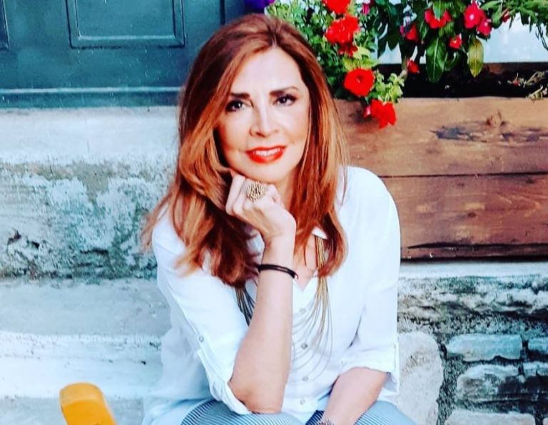 Μιμή Ντενίση: Συγκλονίζει η ανάρτηση για την μητέρα της | vita.gr