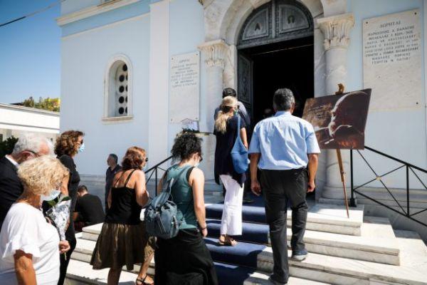 Γιώργος Βούρος: Ανείπωτη θλίψη στην κηδεία του | vita.gr