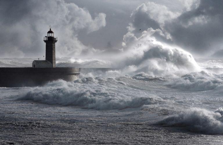 Αγριεμένος ο καιρός σήμερα – Πού θα «χτυπήσει» ο Ιανός | vita.gr
