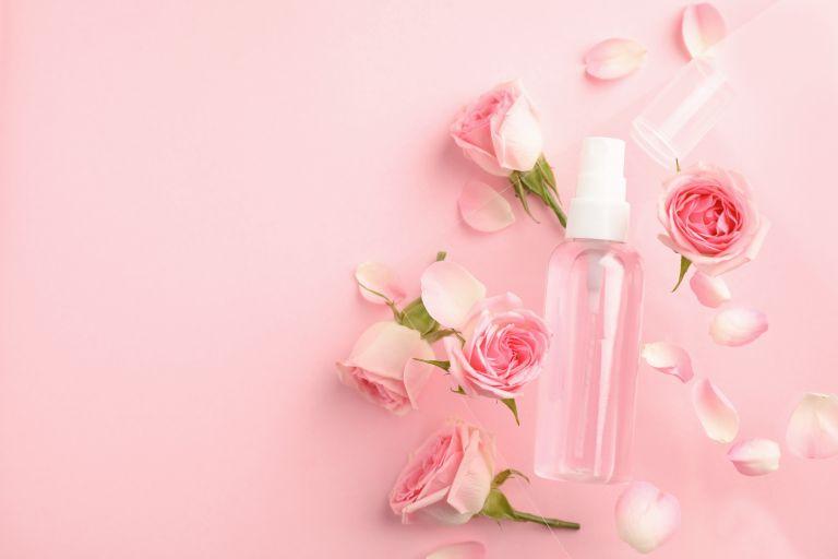 Ροδόνερο: Το φυσικό καλλυντικό που μας ομορφαίνει | vita.gr