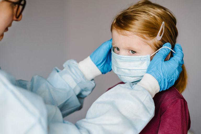 Τι υποστηρίζει νέα μελέτη για τη μετάδοση του κοροναϊού από παιδιά | vita.gr