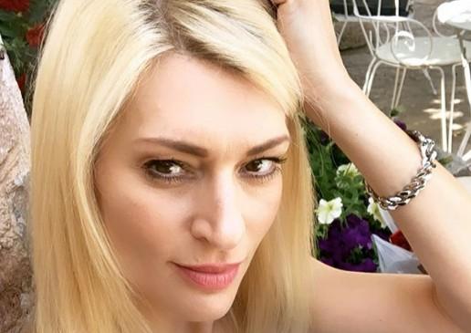 Η απίστευτη μεταμόρφωσή της Ζέτας Δούκα σε Μελίνα Μερκούρη   vita.gr