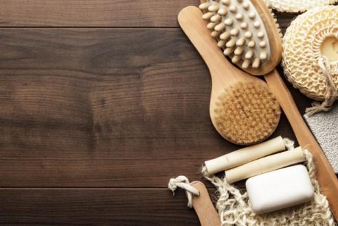 Λουτροθεραπεία στο σπίτι: Το μπάνιο «φροντίζει» σώμα και ψυχή | vita.gr