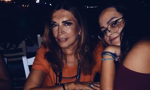 Μιμή Ντενίση: Η γλυκιά φωτογραφία από όταν η κόρη της ήταν μωρό | vita.gr