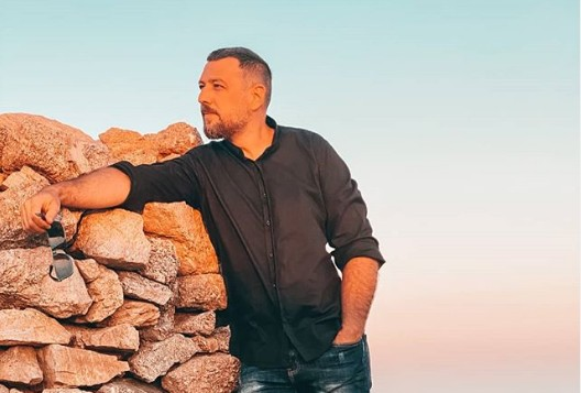 Δύσκολες στιγμές για τον Μάνο Παπαγιάννη | vita.gr