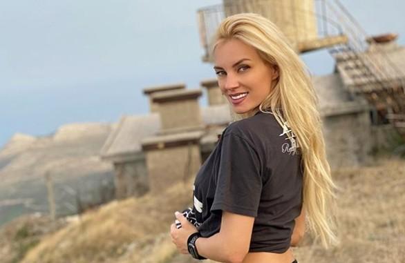 Τζούλια Νόβα: «Δεν με άφηνε να βγαίνω από το σπίτι» | vita.gr