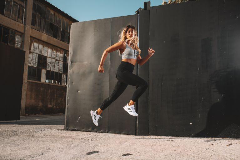 Τα running παπούτσια της adidas που σε απογειώνουν: Ένα crash-test στα νέα adidas Supernova | vita.gr