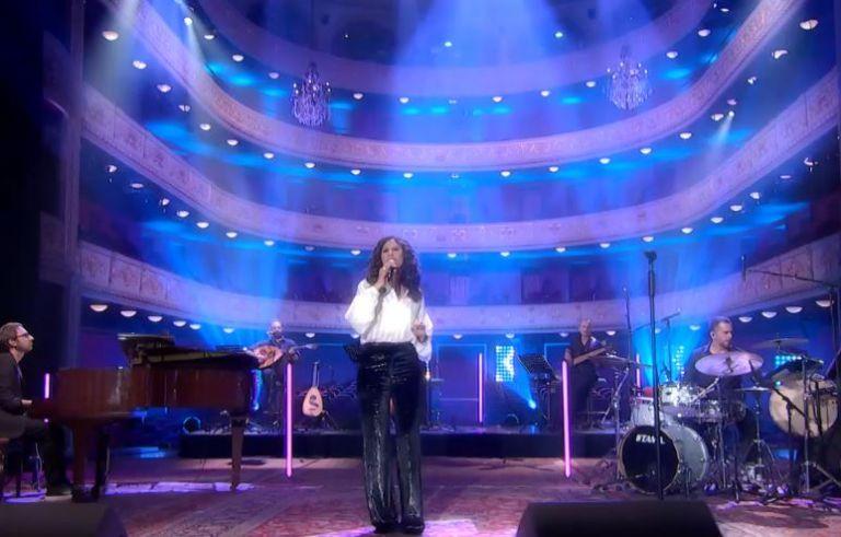 Ελευθερία Αρβανιτάκη: «Στο σπίτι με το MEGA» βρήκε η μουσική νέο στέκι | vita.gr