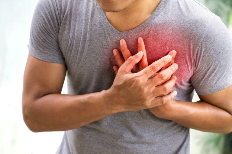 Νέα μελέτη: Οι βαρέως πάσχοντες με κοροναϊό κινδυνεύουν περισσότερο από καρδιακή ανακοπή   vita.gr