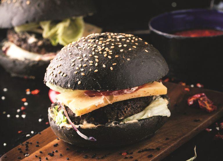 Μπέργκερ με μαύρα φασόλια | vita.gr