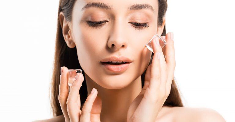 Skin icing: Λαμπερό δέρμα με τη βοήθεια του πάγου | vita.gr