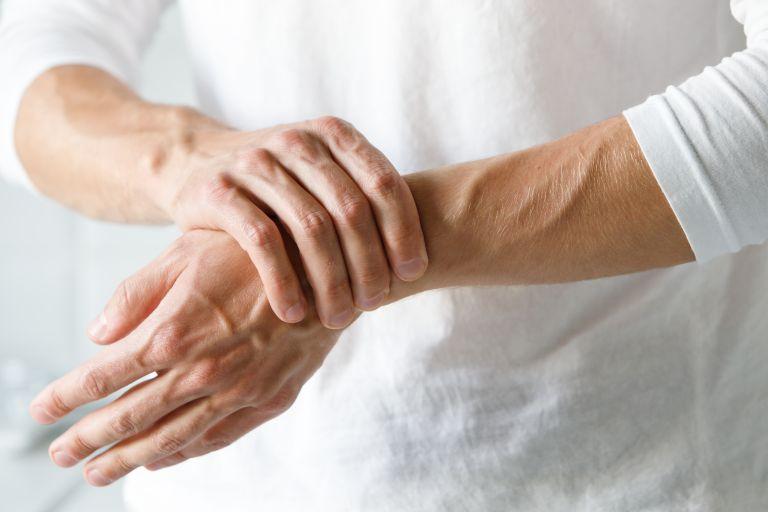 Παγκόσμια Ημέρα Κατά της Αρθρίτιδας: Όσα χρειάζεται να γνωρίζετε | vita.gr