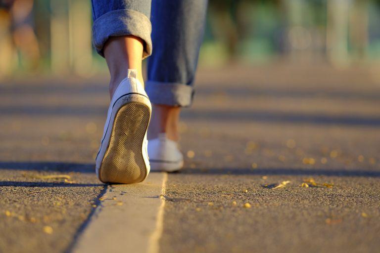 Περπάτημα: Ποια λάθη να αποφύγετε για μέγιστα οφέλη | vita.gr