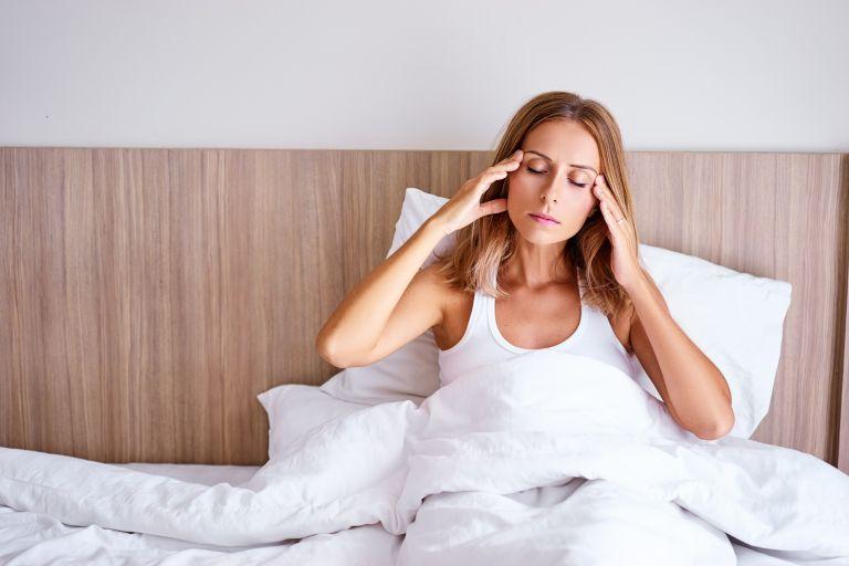 Γιατί ξυπνάω με πονοκέφαλο κάθε πρωί; | vita.gr