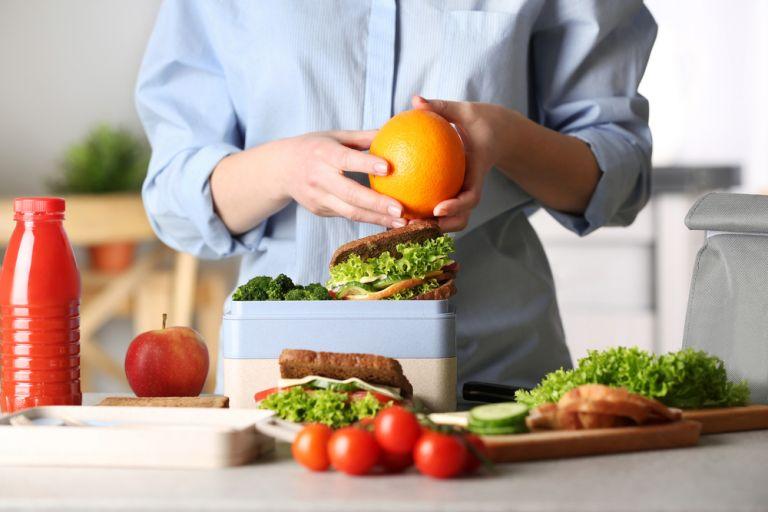 Πώς θα φτιάξετε ένα υγιεινό κολατσιό για το παιδί | vita.gr