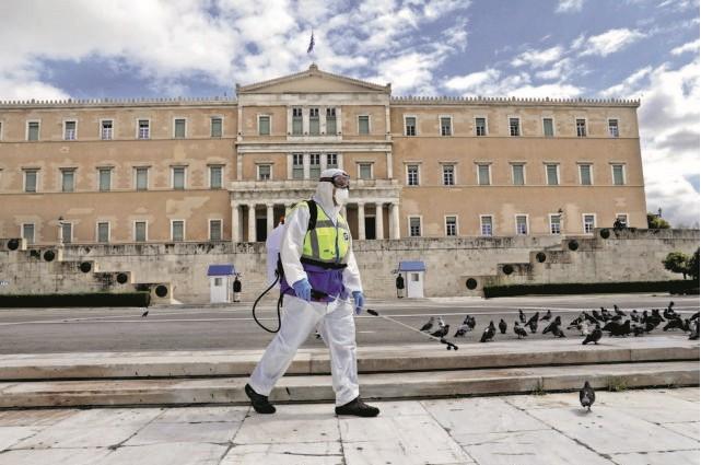 Κοροναϊός : Εντατικοποιούνται οι δράσεις καθαρισμού και απολύμανσης στο Δήμο Αθηναίων   vita.gr