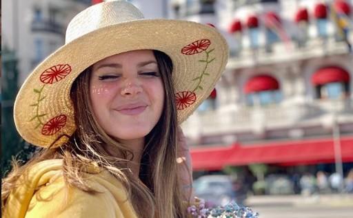 Λάνα Ντελ Ρέι: Γιόρτασε την εκλογική νίκη του Μπάιντεν με τον δικό της τρόπο   vita.gr