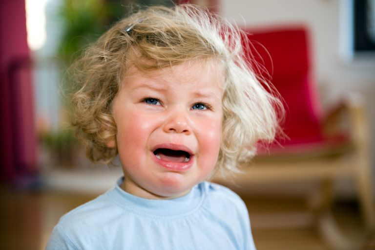 Πώς θα σταματήσει το παιδί να γκρινιάζει; | vita.gr