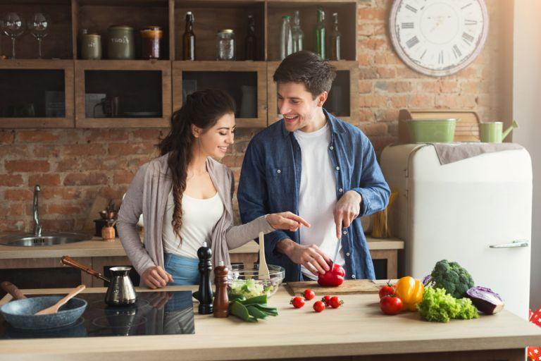 Πώς θα βελτιώσουμε τη διατροφή μας στην καραντίνα | vita.gr