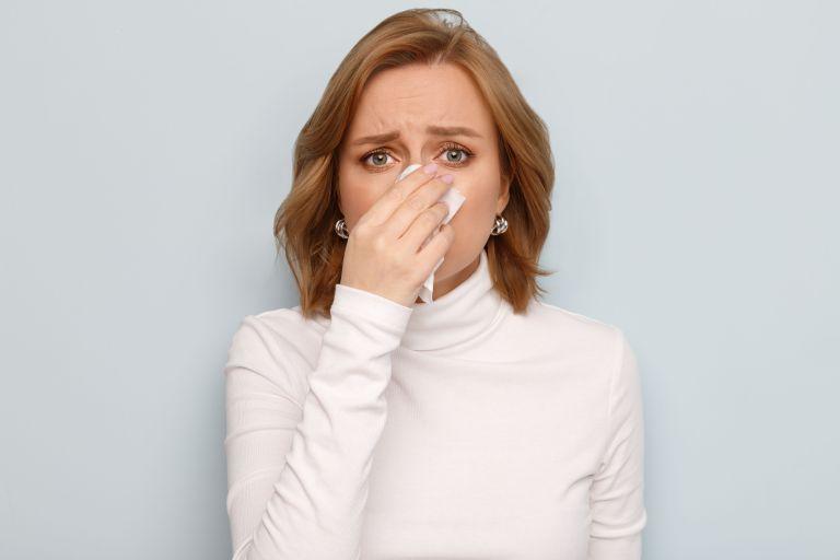Βουλωμένη μύτη: Είναι σύμπτωμα του κοροναϊού; | vita.gr