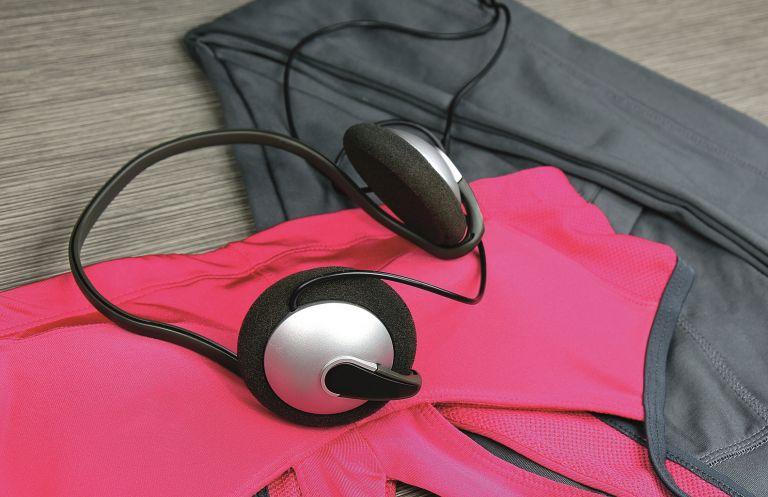 Συνθετικά ή βαμβακερά ρούχα μετά την προπόνηση; | vita.gr