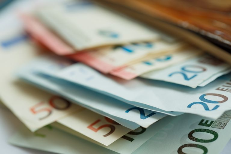 Νέα μέτρα: Έκτακτο επίδομα 800 ευρώ στους εργαζόμενους με αναστολή | vita.gr
