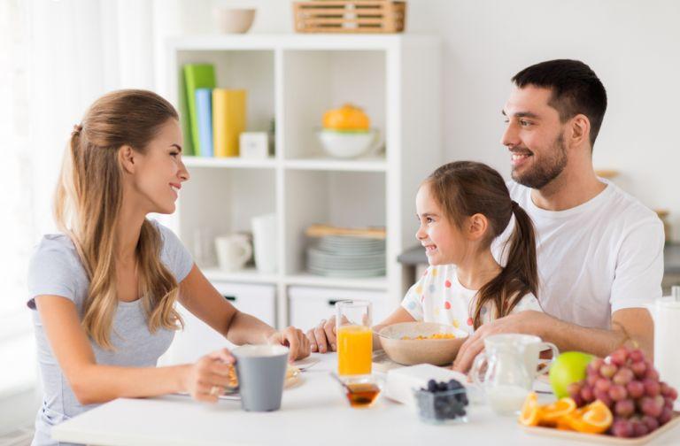Ποιες συνήθειες μας «δένουν» ως οικογένεια; | vita.gr