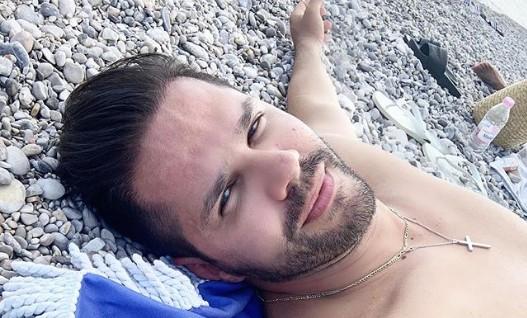 Γιώργος Τσαλίκης: Δείτε τον εντυπωσιακό στολισμό του σπιτιού του | vita.gr