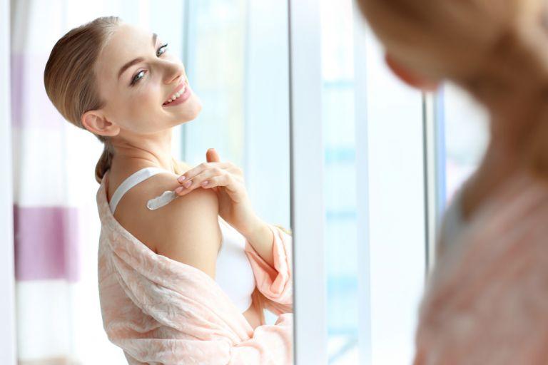 Winter beauty tips: Πώς θα ενυδατώσουμε το ξηρό δέρμα | vita.gr