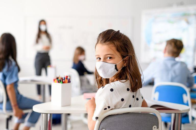 Σχολεία: Τι λένε οι τελικές εισηγήσεις των λοιμωξιολόγων – Πότε θα ανοίξουν | vita.gr