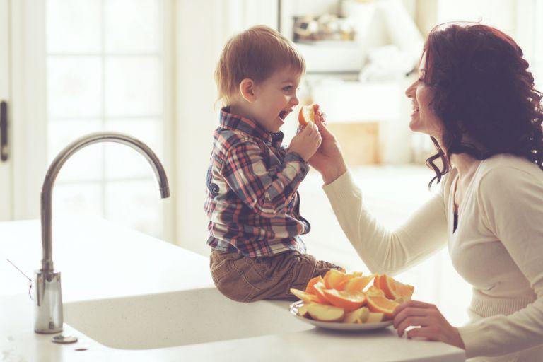 Φρούτα: Απαραίτητα στη διατροφή του παιδιού | vita.gr