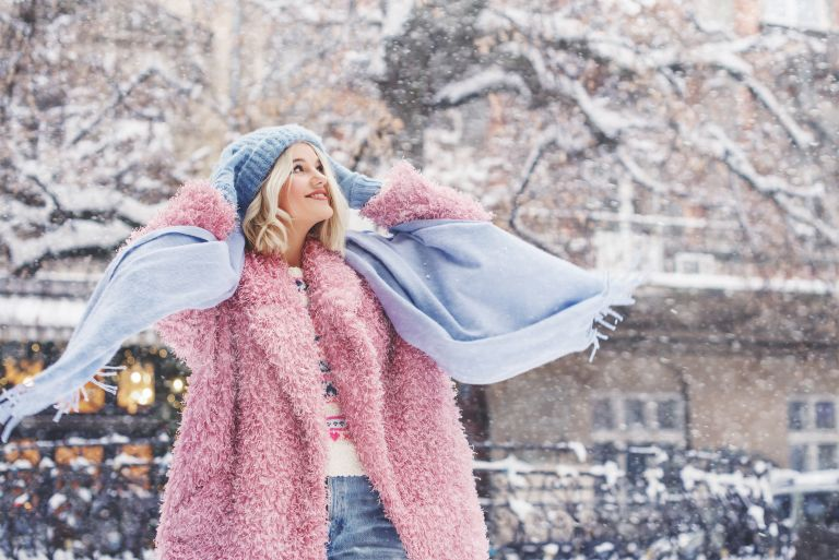 Faux γούνα για κομψές χειμερινές εμφανίσεις | vita.gr