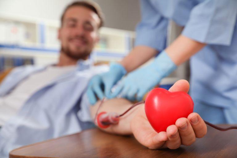 Πώς αλλάζει ο μαζικός εμβολιασμός την αιμοδοσία; | vita.gr