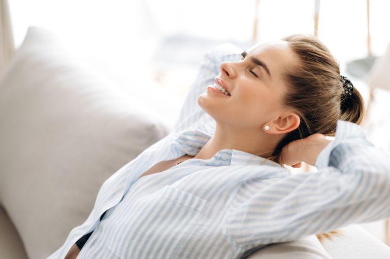 Ασκήσεις ηρεμίας: Πώς θα χαλαρώσουμε το σώμα και το μυαλό μας | vita.gr