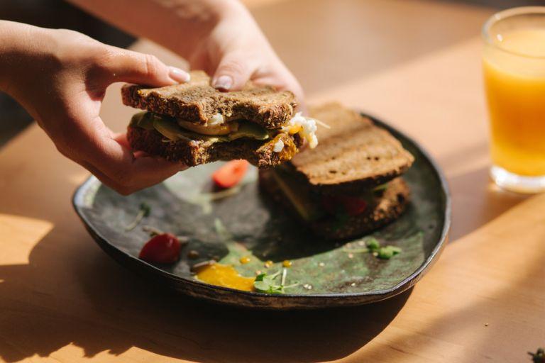 Πώς θα βελτιώσουμε φέτος τη διατροφή μας; | vita.gr