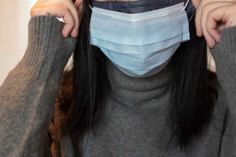 Διπλή μάσκα: Νέα ερευνητικά δεδομένα «υπέρ» της υποχρεωτικής χρήσης | vita.gr