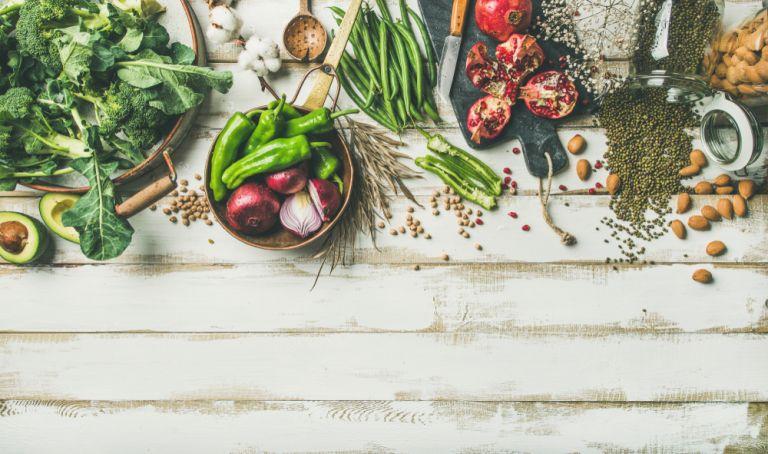 Κοροναϊός: Ποια διατροφή προτείνουν έλληνες ερευνητές | vita.gr