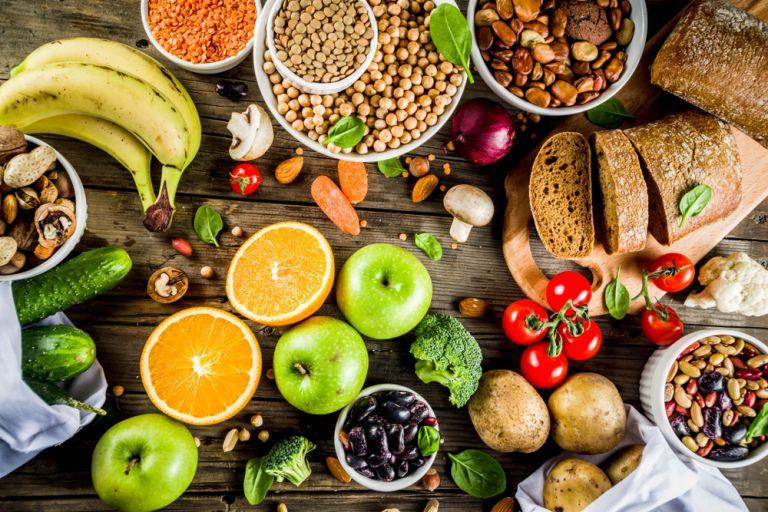 Γιατί δεν πρέπει να βγάλετε τους υδατάνθρακες από τη διατροφή σας | vita.gr