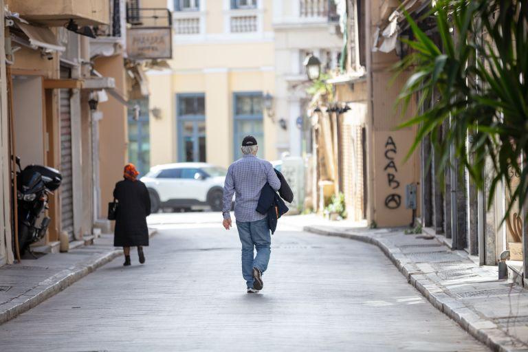 Lockdown: Παρατείνεται εξαιτίας αυξημένης κινητικότητας | vita.gr