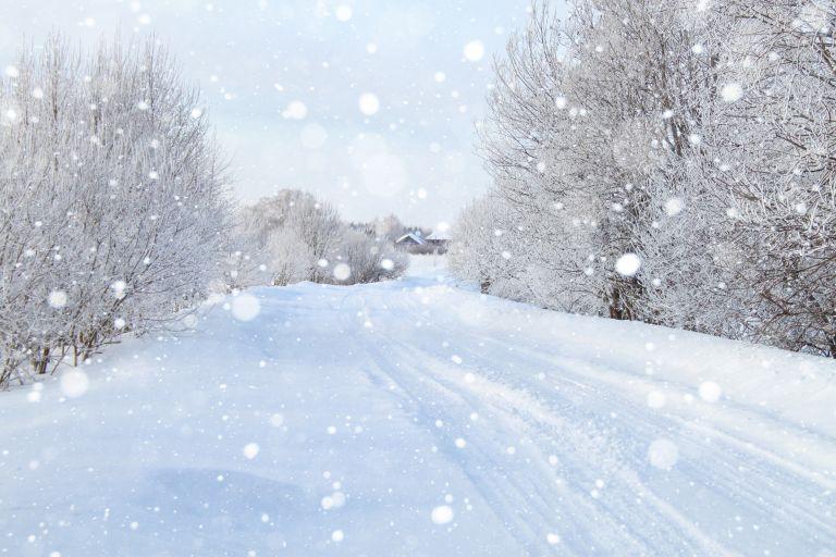 Τα παράξενα της.. «Μήδειας»: Με… χιονοπέδιλα η βόλτα στις όχθες του Ληθαίου   vita.gr