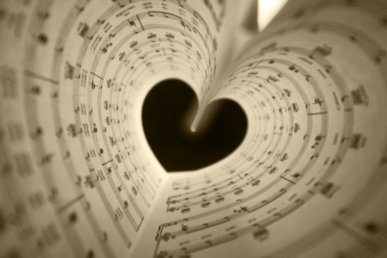 Αγίου Βαλεντίνου : Τα κορυφαία τραγούδια των ερωτευμένων   vita.gr