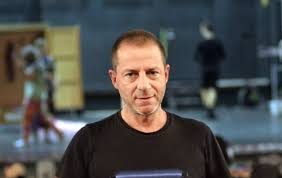 Σοκαριστικές αποκαλύψεις για Λιγνάδη: «Είχε στον υπολογιστή πορνογραφικό υλικό με νεαρά αγόρια» | vita.gr