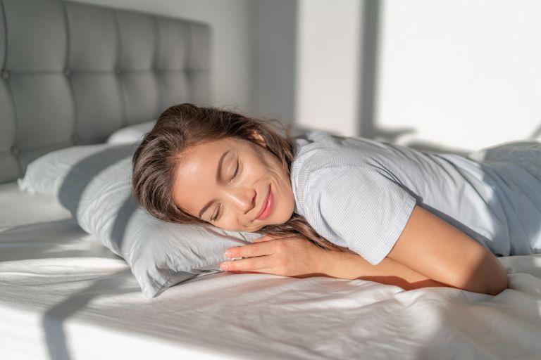 Nap time: Τα οφέλη του ολιγόλεπτου ύπνου μέσα στην μέρα | vita.gr