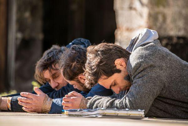 «Σχεδόν ενήλικες»: Προκλήσεις και αναπάντεχες εξελίξεις στο επόμενο επεισόδιο | vita.gr