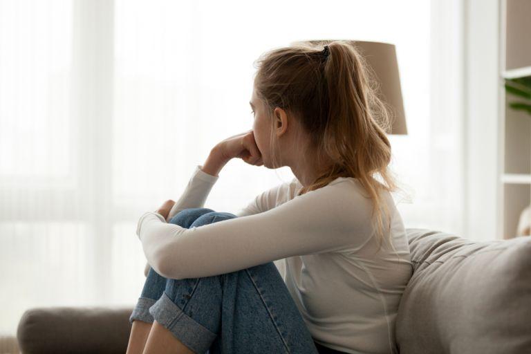 Η πανδημία πλήττει σοβαρά την ψυχική υγεία των νέων | vita.gr